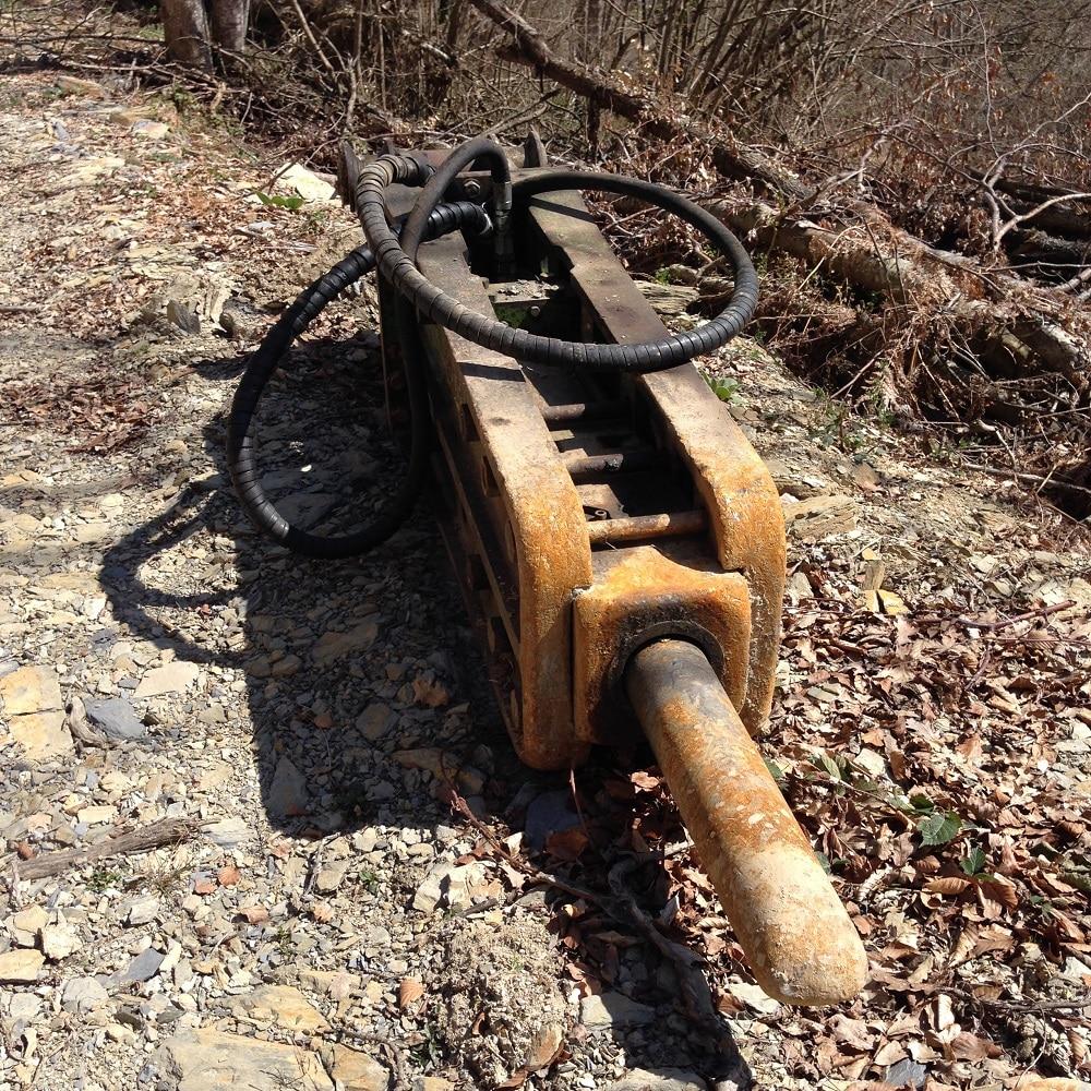 Marteau piqueur de prélèvement pour la piste forestière